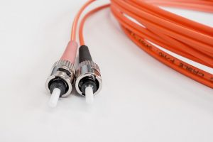fiber-optic-cable-502894_640
